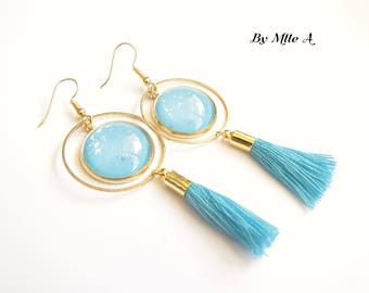 cabochons in turquoise sequined glass earrings