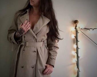 1980s  Women's London Fog Maincoats Long Raincoat (Beige) (10 Petite)