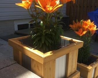 Farmhouse Style Planter Box