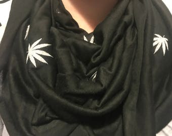 Mary Jane Leaf Infinity scarf
