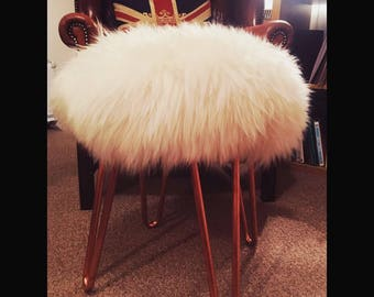 Extremely fluffy flux fur hair pin stool