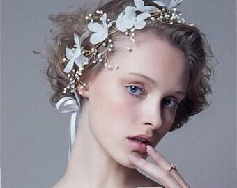 White flower headband,Wedding headband,bridal accessory,multiple flower headband,bridesmaid,gold headband,wedding jewelry