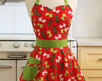 Retro Full Apron Christmas Deer BELLA Sweetheart Neckline