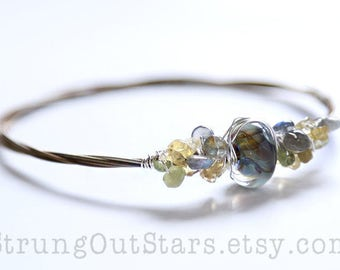 Sunny Days - Strung-Out banjo string bangle with artisan glass and gemstones