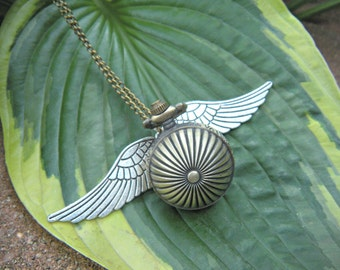 Steampunk Ribbed Etched Brass Golden Snitch Pocket Watch with Wings 30 Inch Brass Chain