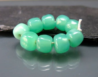 Handmade Lampwork Nugget Beads by GlassBeadArt … Opal green ... SRA F12 ... 9x9mm