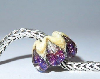 Luccicare Lampwork Bead - Sparkling Lily -  Lined with Sterling Silver
