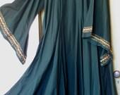 Green medieval underdress