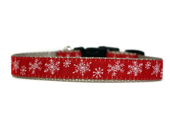 5/8 or 3/4 Inch Wide Dog Collar with Adjustable Buckle or Martingale in Holiday Collar Snowflakes on Silver