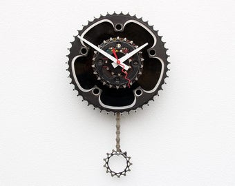 wall clock, bike gear clock, bike wall clock bike lover gift, bike gift clock, pendulum wall clock, Recycle Bike gear clock, 45 Record Clock