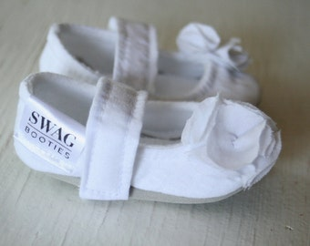 Flower Girl Shoes Baby Girl Wedding Shoes Mary Jane Shoes Baby Booties Newborn Soft Sole White Seersucker Christening Baptism slippers SWAG