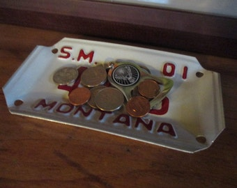 Vintage Montana License Plate Tray - Repurposed and Upcycled - Big Sky - Free Shipping