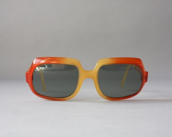 1960s Sunglasses / Vintage 60s Sunglasses / Sixties Mod Cool Ray Polaroid Mod Ombré Sunglasses