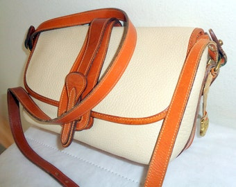 Dooney and Bourke USA east west equestrian R53 satchel shoulder bag vintage 90s  bone tan leather pristine vintage Condition