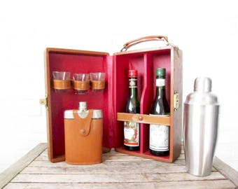 Vintage Travel Bar - Fathers Day Portable Bar Set - Leatherette Case Cocktail Mixology Bartending Suitcase - Mad Men To-Go Bar - Mixers Case