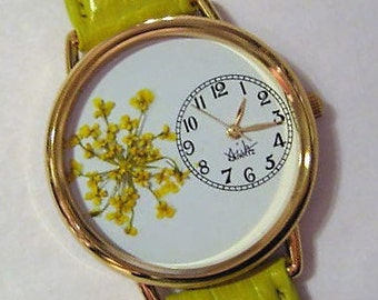 Womens Watch, Pressed Flower Watch, Yellow Wrist Watch with Queen Anne Lace and Leather Band, Flower Watch with Queen Anne Lace, Woman Watch