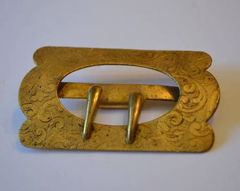 Antique Belt Buckle . Gold Tone asymmetrical metal with etched scroll design. For wear, redesign, reenactment. Finding. Edwardian