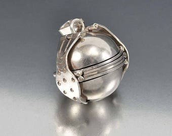 Sterling Silver Locket Necklace, Multi Photo Locket, Mexico Sterling Ball Locket, Sphere Globe Locket Vintage Taxco Silver Necklace