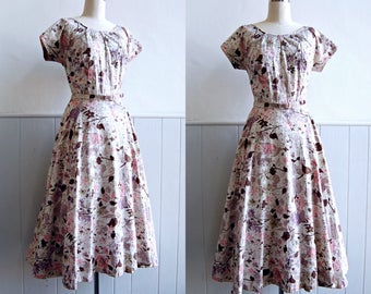 1950s Cream Polished Cotton Floral Dress with Gold Flecks // Rhinestone Cutout Neckline // Medium