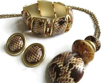 Animal Print Pendant Necklace, Bracelet and Earrings Vintage Lucite Set