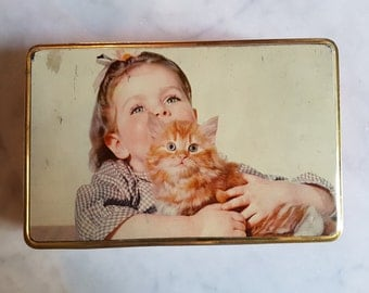 Rare Vintage Retro Decorative Italian Tin Box, Fratelli Pagani, Girl with Kitten, Biscuit, Litho, Storage, made in Italy