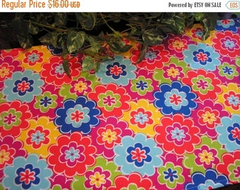 ON SALE Table Runner Bright Floral Padded