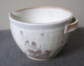 2 Cup Batter Bowl, Creamy White Pottery, Drippy White Batter Bowl, Pouring Bowl, Mixing Bowl