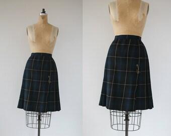 vintage 1960s skirt / 60s wool skirt / green plaid skirt / windsor pleated skirt / wool plaid skirt / wool wrap skirt / 26 28 inch waist