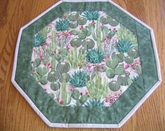 "Quilted Octagon Mat in Cactus - 16"" diameter"