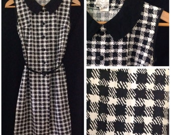 Vintage 1960s black and white houndstooth shift dress, size medium