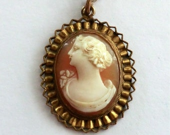 Vintage Cameo Pendant Necklace 10K Gold Filled Pendant