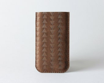 Iphone 7 leather case in chocolate leather with aztec theme - navajo iPhone sleeve, minimalist phone case, gift for him