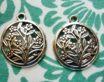 2 Antique Silver Floral 25mm Charms-Floral round Silver Pendant Charms 2