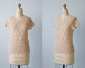 Vintage Crochet Top / 1970s Knit Crochet Sweater Top / Crochet Sweater Blouse / Nude Shell