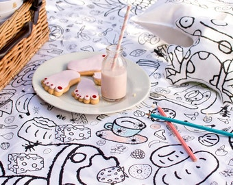 Colouring in Picnic Blanket - with 6 washable fabric pens