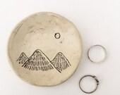 Ceramic Ring Dish Mountains