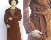 night stroll -- vintage 1970s velvet wrap coat -- S
