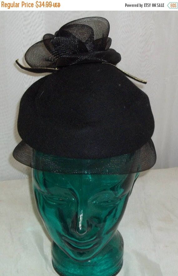 ON SALE Vintage Anita Pineault Canada Felt Flower Hat Black Size 20
