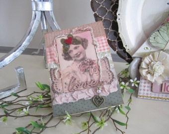 Handmade Valentine's Day Card - Happy Valentine's Day Card - Vintage Style Valentine  Card