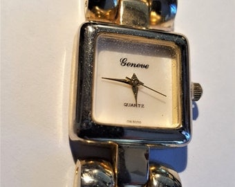 Geneve Swiss Vintage Gold Wash Light Shade of Gold  Links  Bracelet Watch in Working Condition Swiss Parts