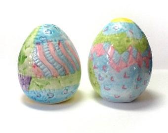 Salt and Pepper, S&P Shakers, Easter Eggs, Egg Shaped Shakers, Ceramic Eggs, Handpainted Eggs, Pastel Colors, Spring Easter Decor