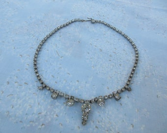 Vintage 30s 40s Necklace Rhinestones Dainty All Original Stones Small Size Beautiful