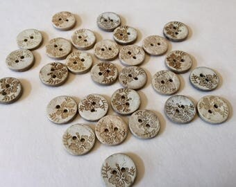 Small Coconut wood buttons - hibiscus flower design - 15mm (9/16 inch), 25 pcs, matching wood buttons, floral, light coconut, Hawaii themed