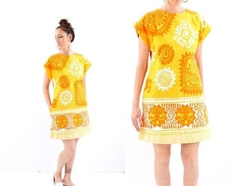 FALL SALE vintage 60s MOD sunny Tiki mini dress S-M