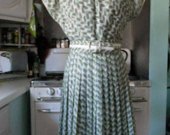 1950s Atomic Print Day Dress  M/L size