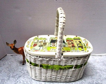 Vintage Wicker and Wood Box Purse w/ Colonial Village Scene Decoupage Hinged Lid Cloth Line Strong Handle Structured Classic White Hong Kong