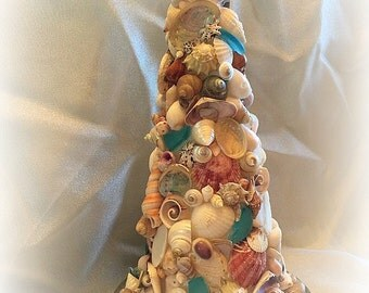 The Bells chimed seashell topiary tree