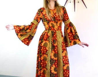 Spring SALE 25% Vintage 70s Indian Tapestry Kaftan Hippie Daisy Flower Print Dress Made in India Orange Red Black Cotton Caftan 1970s Long B