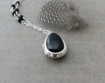 Sterling Silver Locket, Silver Oval Locket, Black Onyx Pendant, Modern Locket,  Silver Picture Locket, Push Present, Silver Photo Locket