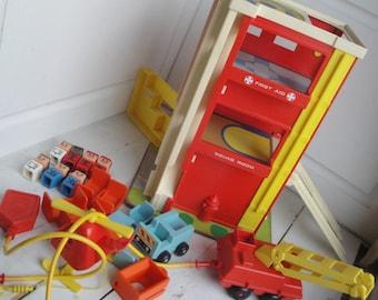 Vintage Playskool Rescue Center Fire Police Ambulance People